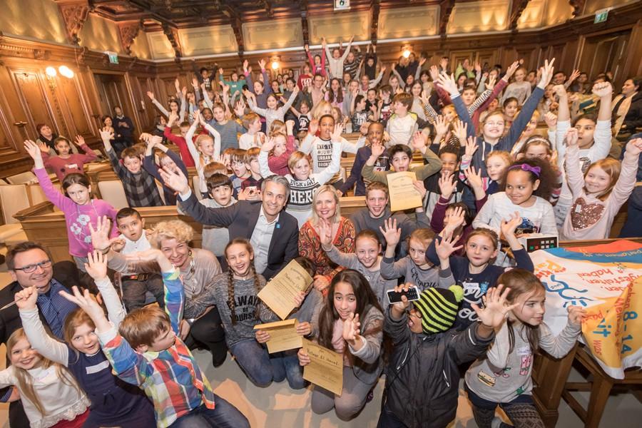 Foto: Volles Rathaus und tolle Stimmung nach der Wahl © Stadt Graz/Foto Fischer