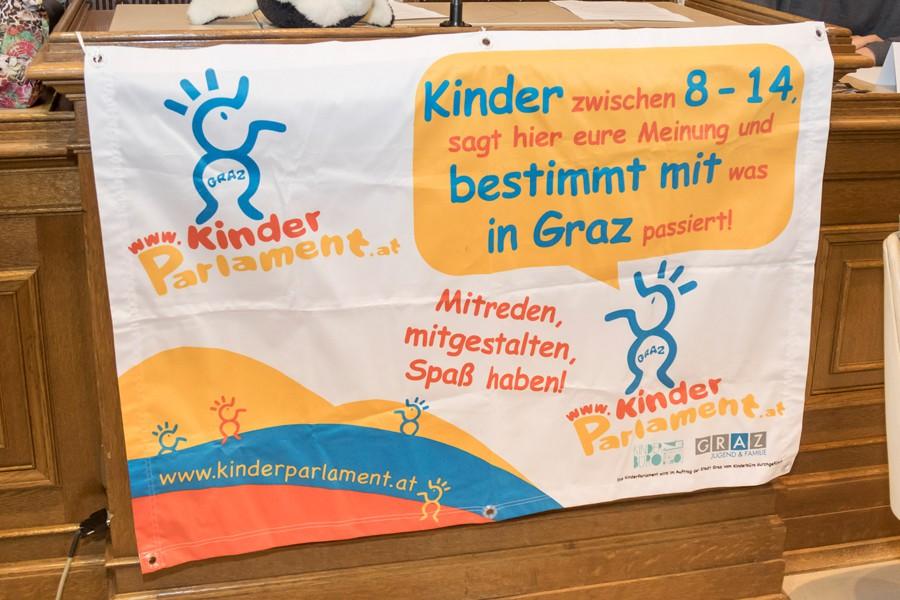 Foto: Plakat KinderParlament © Stadt Graz/Foto Fischer