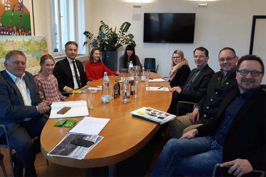 v.l.: W. Malik (Holding Graz), M. Kogler (KiPa Graz), K. Hohensinner (Stadt Graz), M. Stolz (KiPa Graz), R. Schipfer (Stadtbibliotheken Graz), K.Sorko (GBG), G. Hirner (GBG), P. Bedenk (GBG) und T. Plautz (Kinderbüro)