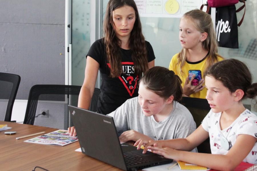 Konzentriert bei der Arbeit © Kinderbüro – Die Lobby für Menschen bis 14