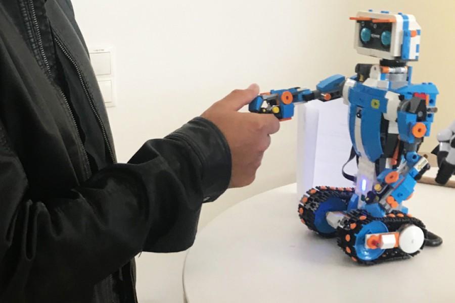 Guten Tag Mr. Robo! © Kinderbüro – Die Lobby für Menschen bis 14